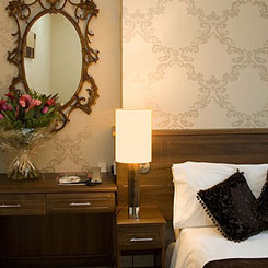 bedroom-new-steine-mirror